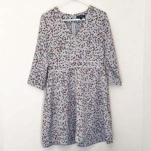 Banana Republic Floral v-Neck Fit and Flare Size 6